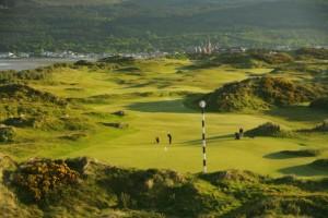 Blick über Loch 3 von Royal County Down.