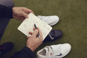 Während vielen gemeinsamen Treffen und Analyse-Runden entstand der neue Nike Golfschuh. (Foto: Nike)
