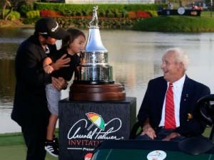 """Im Bay Hill Club in Orlando richtete die Legende Arnold Palmer (re.) immer """"sein"""" PGA-Tour-Turnier aus. Das Event lebt trotz seines Todes 2016 weiter. (Foto: Getty)"""