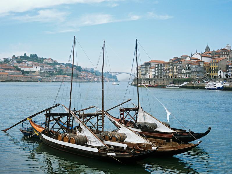 Die Hauptstadt Portugal liegt direkt am Atlantik und wir vom Fluss Douro getrennt. (Foto: Fortunas Immobilien)