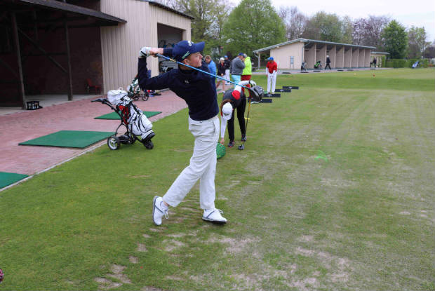 Fast schon ein Profi! Der jüngste Teilnehmer beim Werbedreh konnte mit einem beeindrucken Plushandicap aufwarten. (Foto: Golf Post)