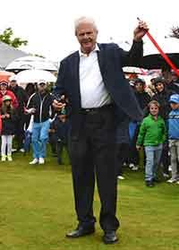 Dietmar Hopp bei der Eröffnung des Wedge-o-Drom. (Foto: Golf Club St. Leon-Rot)