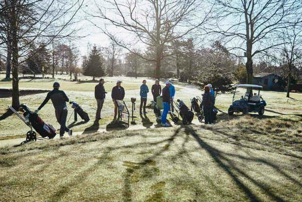 Bei bestem Wetter machten sich die Mitstreiter zum Kjus Härtetest auf. (Foto: Mike Meyer)