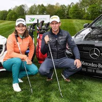 Karolin Lampert und Marcel Siem beim Mercedes Benz After Work Golf Cup. (Foto: Mercedes Benz)