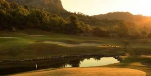 Inmitten der Berge des Golf De Andratx wartet das schönste Halfway-Haus auf Mallorca. (Foto: Golf De Andratx)