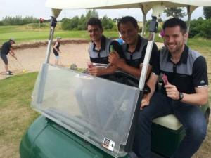 Das Team von GolfCity bringt die heiß begehrte Abkühlung vorbei. (Foto: Golf Post)