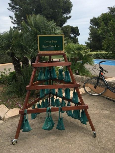 Die Divotbags scheinen Wirkung zu zeigen, kahle Stellen auf dem Platz suchten wir vergeblich. (Foto: Golf Post)