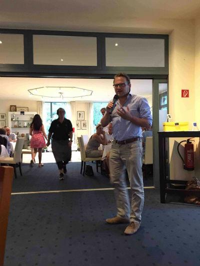 Der Golf Post CEO Matthias Graf stellte im Rahmen des Konlus Berg-Cup im Golfclub Kürten die brandneue Golf Post App vor. (Foto: Golf Post)