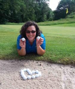 Nicole setzte die TaylorMade Golfbälle perfekt in Szene. (Foto: Nicole Fuchs)