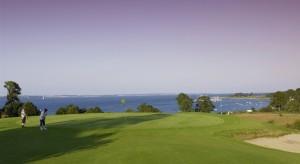 Golf spielen mit einem ganz besondern Blick (Foto: Facebook.com/Förde-Golf-Club e.V. Glücksburg)