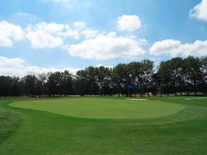 GolfCity Puchheim lädt vor allem Anfänger zum Golf spielen ein (Foto: Facebook.com/GolfCity München Puchheim)
