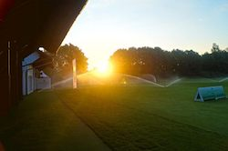 Golfplatz Schloss Egmating, hier können Sie sich perfekt aufs Golf spielen vorbereiten (Foto: Facebook.com/Golfclub Schloss Egmating)