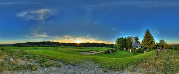 So macht Golf spielen Spaß (Foto: Facebook.com/Golfanlage Gut Rieden)