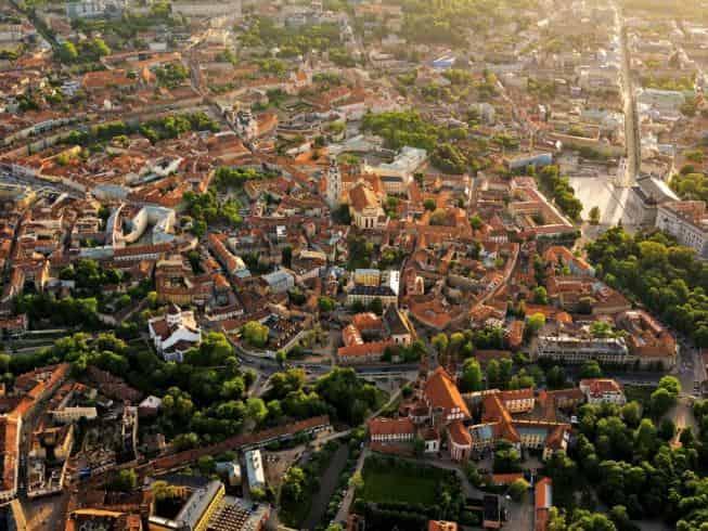 Kulturell hat die Altstadt von Vilnius einiges zu bieten. (Foto: lithuania.travel.com)