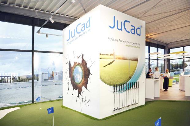 Im neuen JuCad-Center gibt's keine halbe Sachen. Auf 2000 qm werden Trolleys, Bags und Accessoires ausgestellt. (Foto: JuCad)