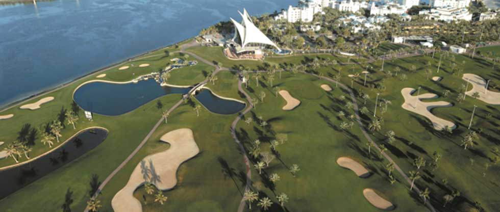 Aus der Vogelperspektive sieht man die ganze Schönheit des Dubai Creek Golf & Yachtclubs. (Foto: Jürgen Linnenbürger)