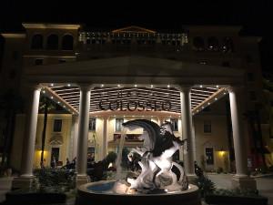 Hotel Colosseo mit dem mächtigen Eingang im römischen Stil. (Foto: Golf Post)