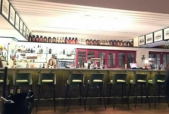 Das Restaurant Bovinho eignet sich für ein schönes Abendessen zu dem man ein leckeres Glas Wein genießen möchte und genug Zeit mitbringt. (Foto: Kathrin Ivenz)