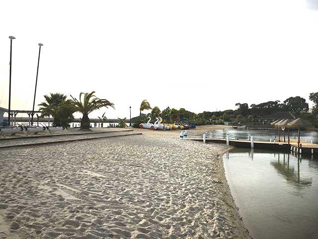Die Lagune ist ein idealer Treffpunkt für einen Sommerabend (Foto: Kathrin Ivenz)