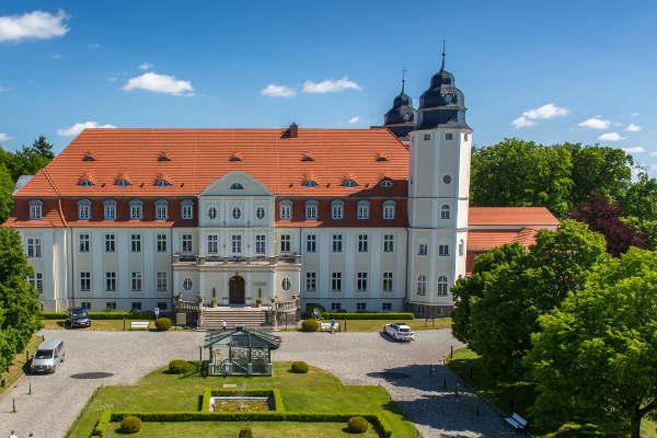 Golf Post hat das Schlosshotel Fleesensee nach Runderneuerung unter die Lupe genommen. (Foto: Golfclub Fleesensee)