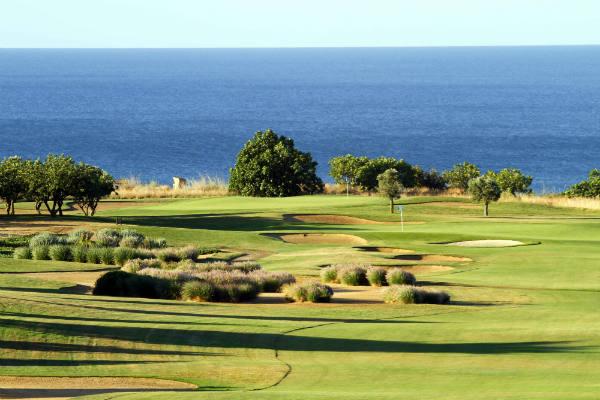 Golf an der Algarve mit ROBINSON. Schöner geht's kaum. Ihren perfekten Golfurlaub am Atlantik können Sie jetzt hier direkt buchen!<br>(Foto: ROBINSON)