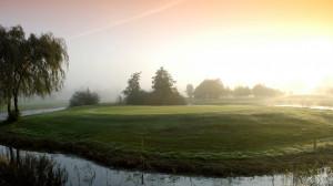Inselgrün an Bahn 4 des Old Course im Golfclub Schloss Lüdersburg. (Foto: Facebook.com/@SchlossLuedersburg)