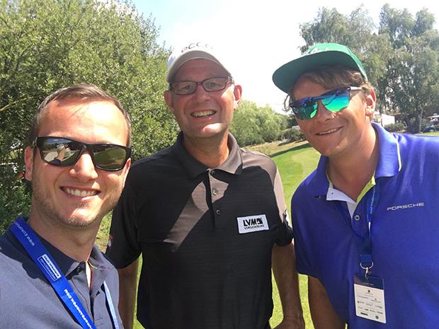 Hans Gerling mit den Golf Post Redakteuren Robin Bulitz (r) und Tobias Hennig. (Foto: Golf Post)