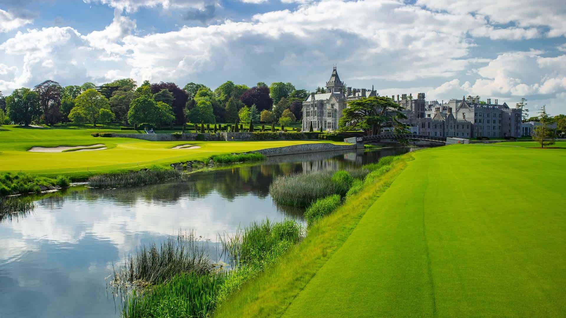 An Loch 18 treffen der Fluss und das Schloss zum großen Finale aufeinander. (Foto: Adare Manor Golf Club)