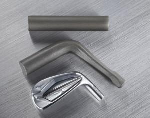 Aus einem Stück Stahl werden die Mizuno JPX 919 Forged Eisen geformt. (Foto: Mizuno)