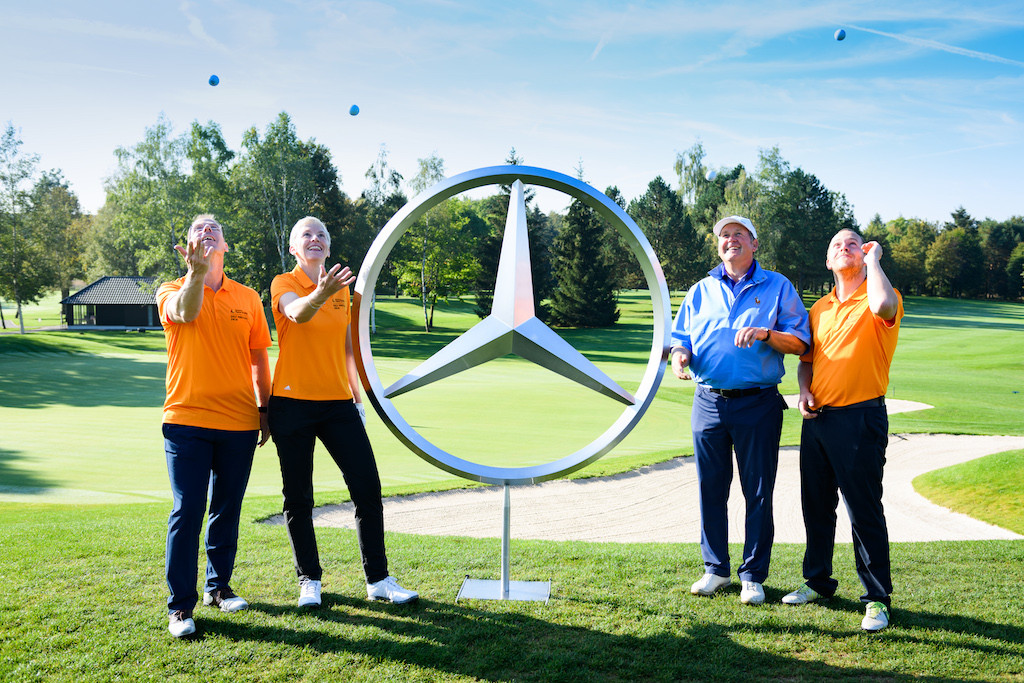 Ein Flight unter gutem Stern: Petra Behle (2. v.l.) mit ihren Spielpartner beim Sporthilfe Golf Masters 2018 (Foto: Deutsche Sporthilfe)