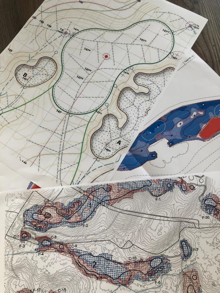 Malen nach Zahlen: Die Pläne geben vor, was auf dem Platz mit Feingefühl umgesetzt werden muss. (Foto: Christian Althaus)
