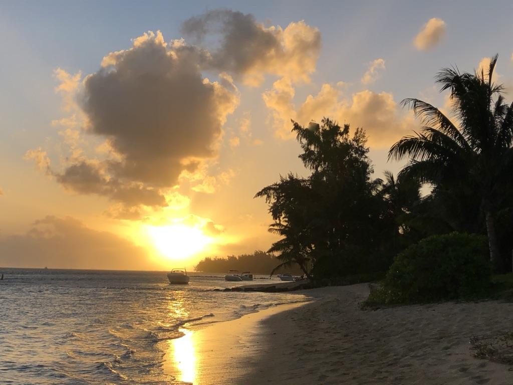 Die Besucher der Insel dürfen sich auf märchenhafte Sonnenuntergänge freuen. (Foto: Jürgen Linnenbürger)