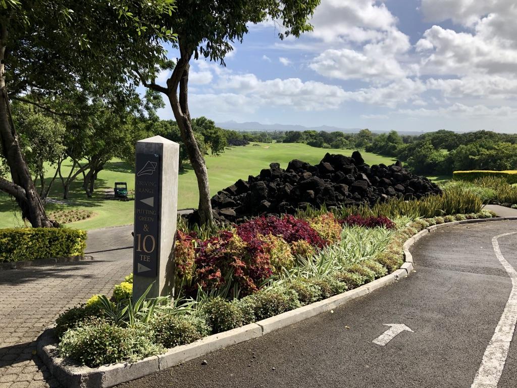 Ein Eyechatcher auf dem The Links Golf Course sind die Felsblöcke aus Vulkangestein. (Foto: Jürgen Linnenbürger)