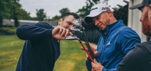 Martin Kaymer grübelt über sein Equipment für die BMW International Open. (Foto: TaylorMade)
