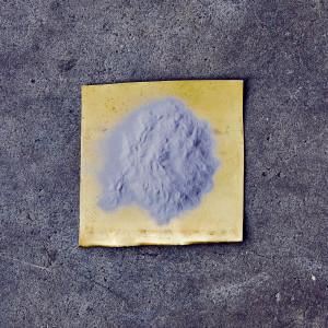 """Dieses """"Pulver"""" wird auf die Schlagflächen aufgetragen und ist die Grundlage für massig Spin und längere Haltbarkeit. (Foto: Titan Golf)"""