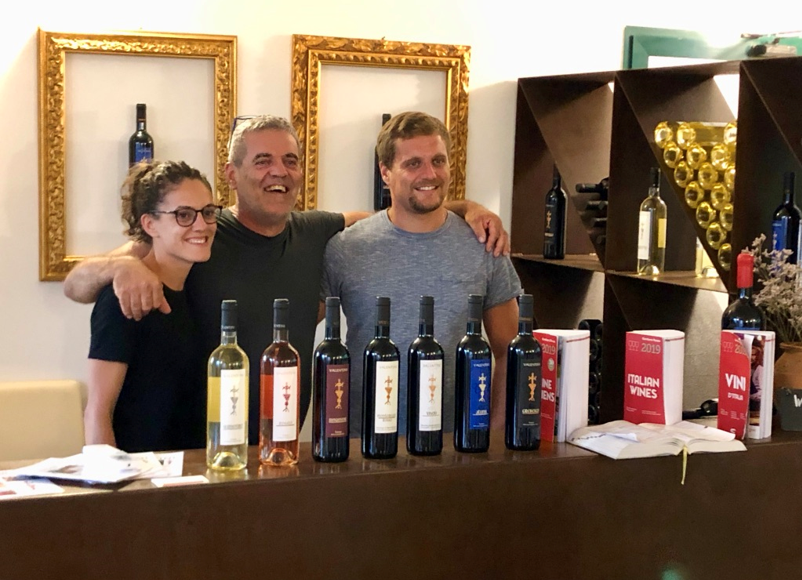 Weintasting in der 'Azienda Agricola Valentini' (Foto: Jürgen Linnenbürger)